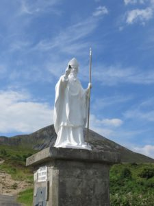 St Patrick statue at the foot of the hill, dating from 1928